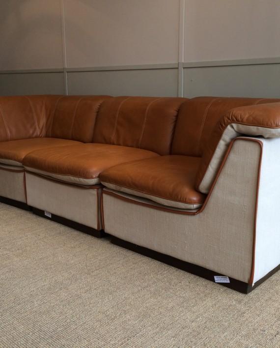 canap en cuir fauve et lin oy bj dahlqvist finland 70 s. Black Bedroom Furniture Sets. Home Design Ideas